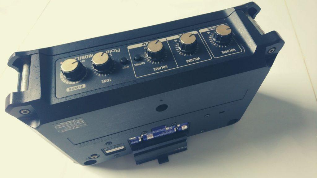ampli-roland-mobile-ac-5