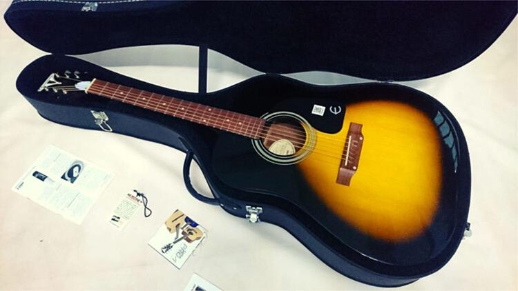 hop-dung-guitar-1
